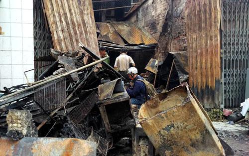 Hỏa hoạn giữa đêm, 4 người trong gia đình chết cháy 1