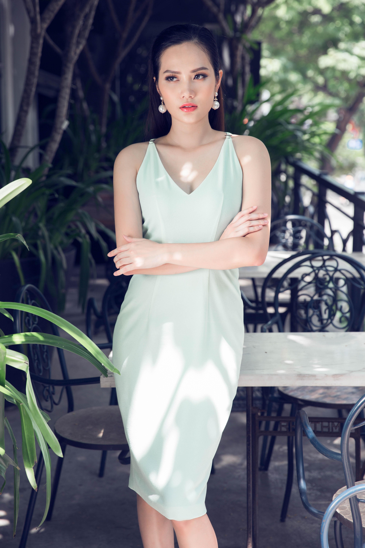 Hoa hậu Đông Nam Á Diệu Linh gợi cảm trong trang phục tự thiêt kế 1