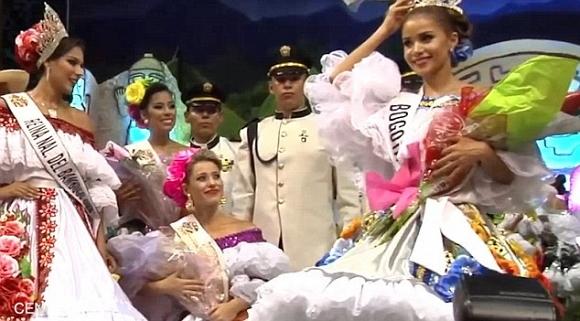 Á hậu Colombia giật vương miện của Hoa hậu rồi bỏ đi ngay tại cuộc thi 2