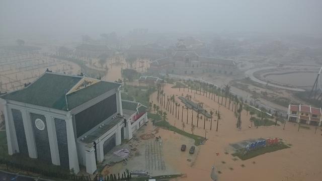Chùm ảnh: Quảng Ninh ngập lụt sau trận mưa lớn kéo dài 3
