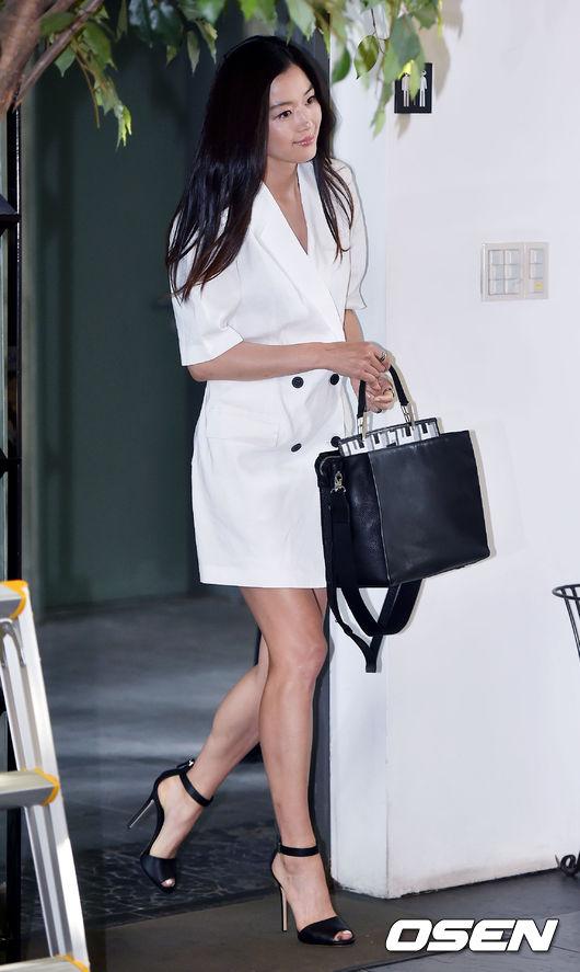 Jeon Ji Hyun đọ sắc bên 'Nữ hoàng Seondeok' trong lần tái xuất sau sinh 3
