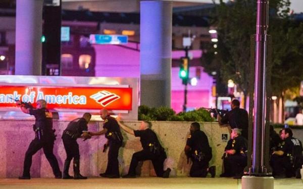 11 cảnh sát bị bắn, 5 tử vong trong cuộc biểu tình phản đối bạo lực 1