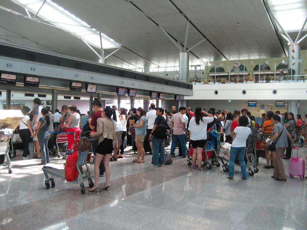 Đi máy bay bằng giấy tờ giả, nữ hành khách bị phạt 7,5 triệu 1