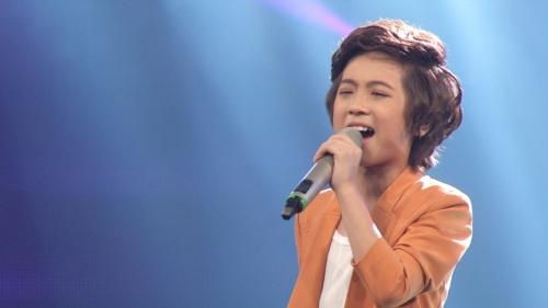 Hồ Văn Cường hát 'Nắng có còn xuân' đi thẳng vào chung kết Vietnam Idol Kids 2