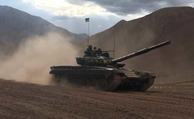 Ấn Độ điều khoảng 100 xe tăng đến gần biên giới Trung Quốc 2