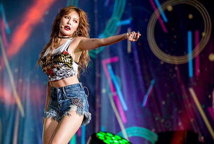 Lễ hội âm nhạc hội tụ top nghệ sĩ châu Á với 8000 fans 7