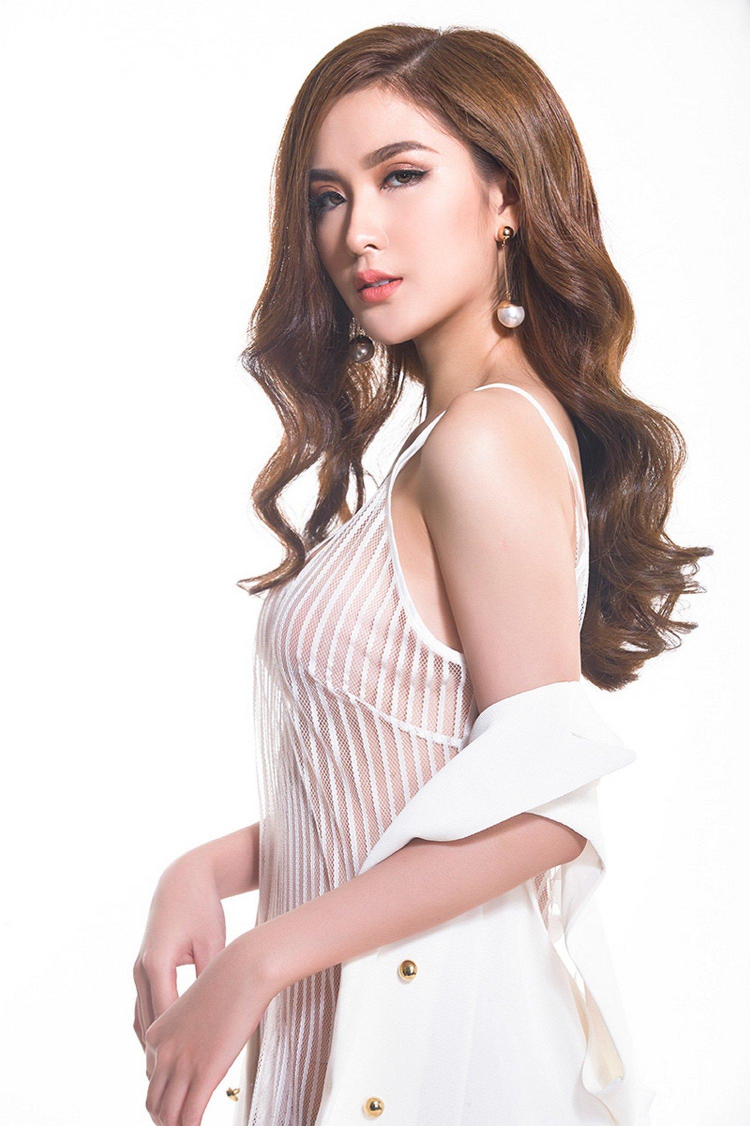 Vẻ đẹp như hoa hậu của Ngọc Loan đội Phạm Hương tại The Face 1