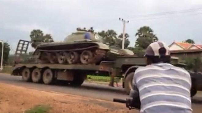 Campuchia ồ ạt đưa xe tăng về thủ đô sau đe dọa đảo chính 1