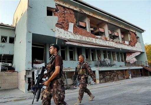 Thỗ Nhĩ Kỳ tuyên bố tình trạng khẩn cấp trong 3 tháng 1