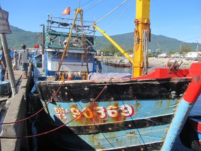 Ngư dân vớt được một thi thể tại vùng biển Hoàng Sa 1