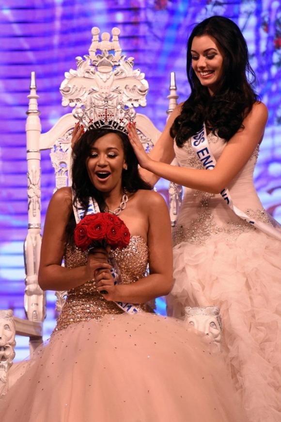 Tân Hoa hậu Anh 2016 bị chê sở hữu thân hình kém thon gọn 2