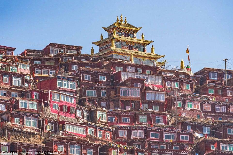 Vẻ đẹp của Học viện Phật giáo Tây Tạng trước khi bị TQ phá hủy 14