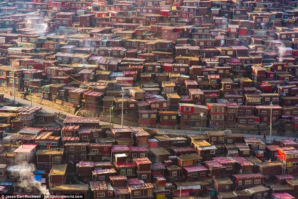 Vẻ đẹp của Học viện Phật giáo Tây Tạng trước khi bị TQ phá hủy 16
