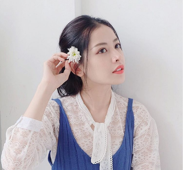 Facebook sao Việt: Lan Khuê vui vẻ ăn tối cùng thí sinh team Phạm Hương giữa ồn ào dư luận 4
