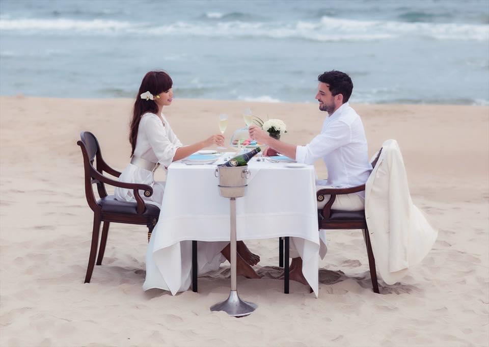 Bộ ảnh cưới ngọt ngào của siêu mẫu Hà Anh bên chồng Tây 8