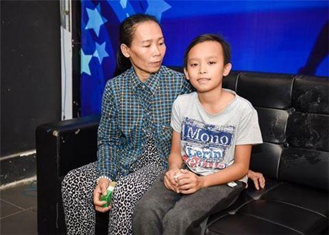 Hồ Văn Cường được ca sĩ Phi Nhung đưa lên Sài Gòn học 3
