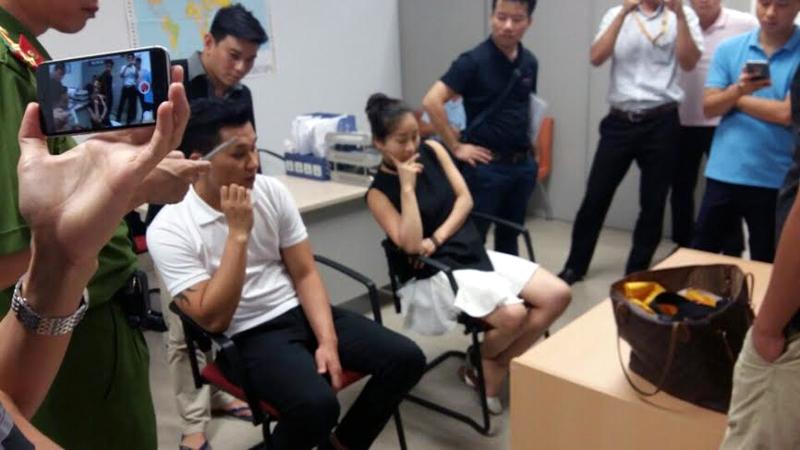 Tiếp viên HK giấu 80 cây vàng dưới ghế máy bay đối mặt hình phạt nào? 1