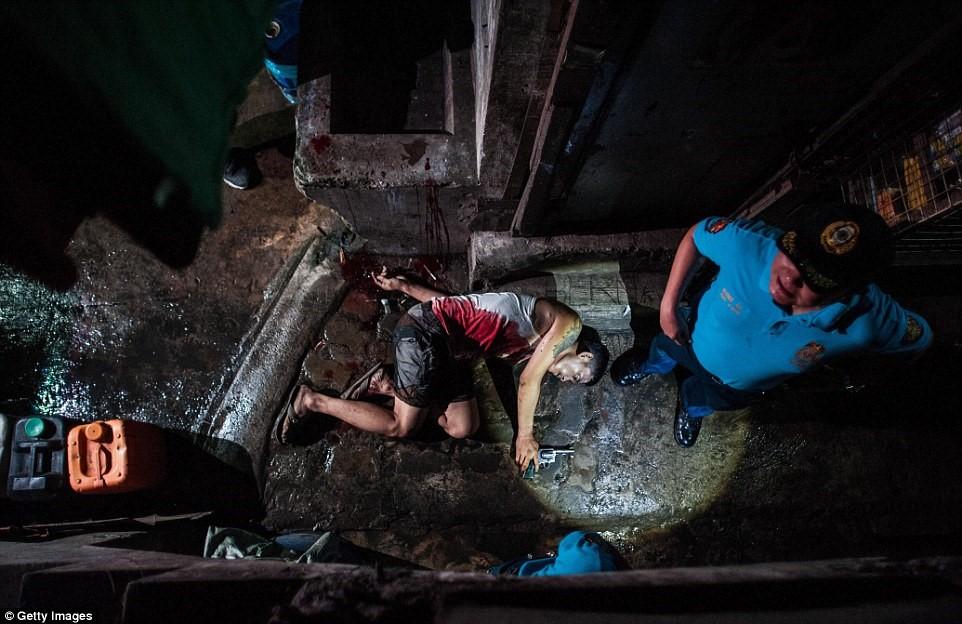 300 tội phạm ma túy bị bắn chết sau lệnh của tổng thống Philippines 2