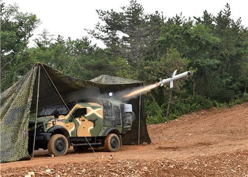 Hàn Quốc tập trận bắn đạn thật gần biên giới Triều Tiên 2