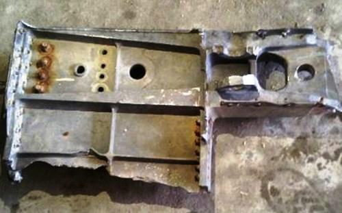 Ngư dân Nghệ An vớt được mảnh hợp kim 30kg nghi của máy bay Su 30MK2 1