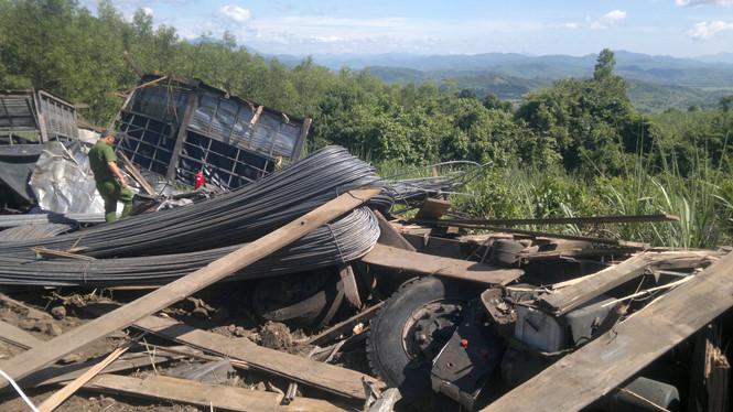 Tai nạn giao thông, 3 người chết thảm 1