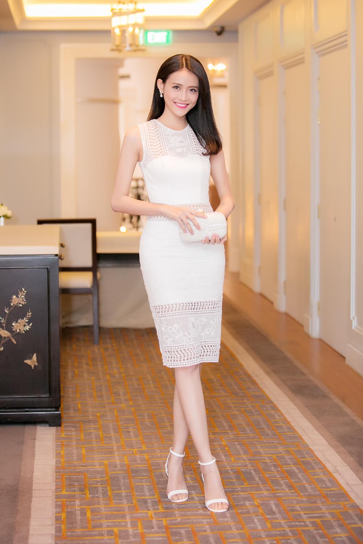 Trương Mỹ Nhân diện đầm trắng tinh khôi yêu kiều dự sự kiện 1