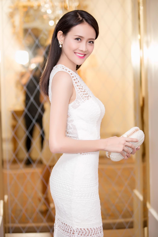 Trương Mỹ Nhân diện đầm trắng tinh khôi yêu kiều dự sự kiện 6