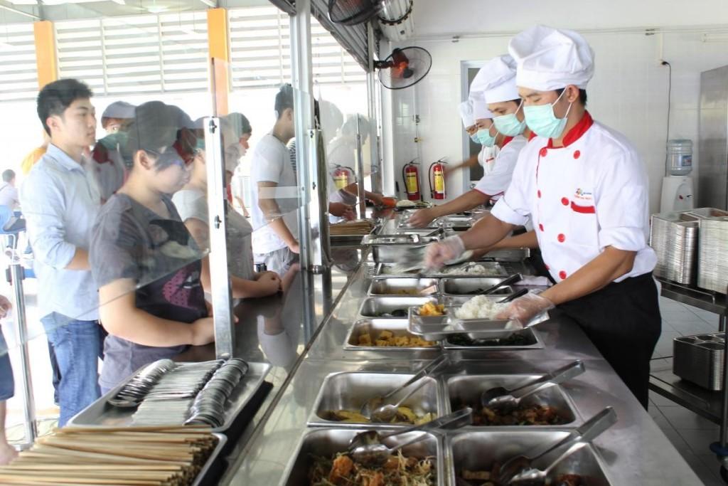 Nâng cao biện pháp kiểm soát an toàn vệ sinh thực phẩm ở bếp ăn tập thể 1