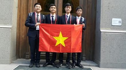 Việt Nam đoạt 2 Huy chương vàng Olympic Hóa học quốc tế 2016 1