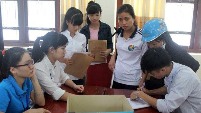 Gần 1400 bài thi xin chấm phúc khảo ở Nghệ An 1