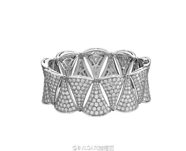 Lâm Tâm Như chi hàng tỷ đồng cho trang sức dùng trong hôn lễ 4