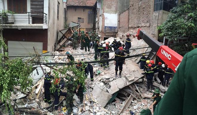 Hiện trường vụ sập nhà 4 tầng ở Hà Nội, nhiều người bị vùi lấp 3