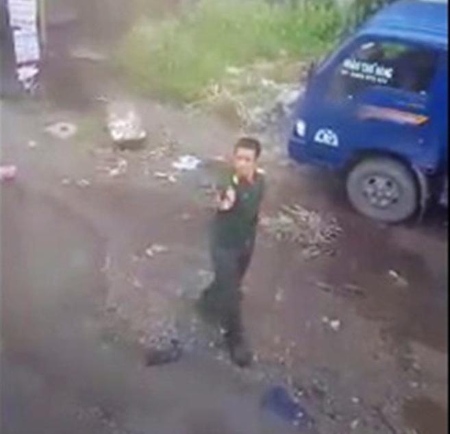 Tường trình của quân nhân rút súng dọa bắt tài xế 1