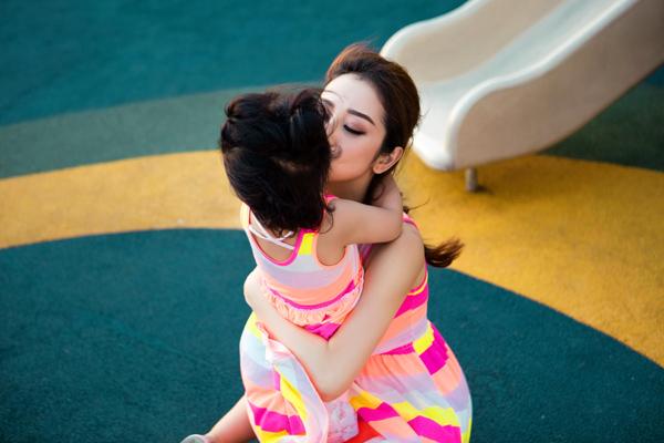 Ngắm nhan sắc của Jennifer Phạm - bà mẹ hai con nóng bỏng nhất showbiz Việt 7