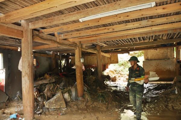 Đại tang của hai gia đình sau trận lũ lớn ở Lào Cai 2