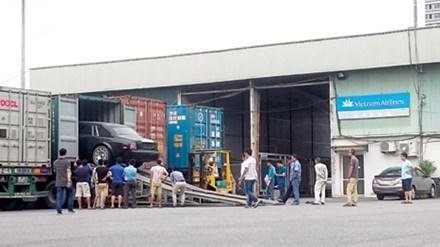 Ninh Bình từ chối nhận 3 xe tiền tỷ doanh nghiệp tặng 1