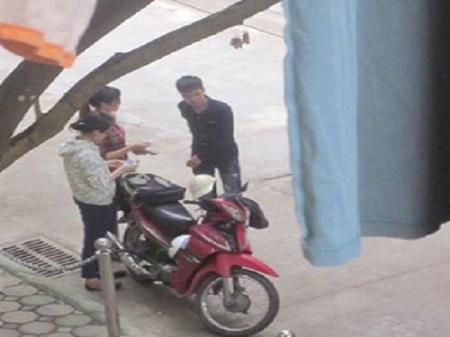 Hà Nội: Bắt 3 thanh niên sản xuất thẻ sinh viên giả 1