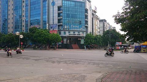 Giật túi xách bất thành, tên cướp đâm gục thiếu nữ trên phố Hà Nội 1