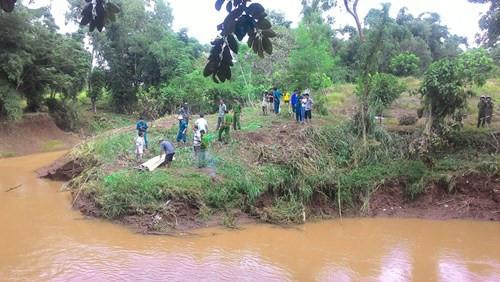 Vụ thảm án ở Lào Cai: Phát hiện súng kíp đã lắp đạn tại hiện trường 1