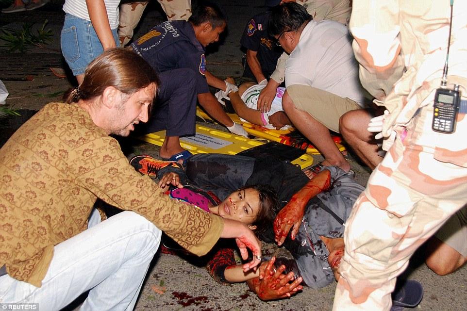 Hiện trường đẫm máu các vụ đánh bom liên tiếp ở Thái Lan 4