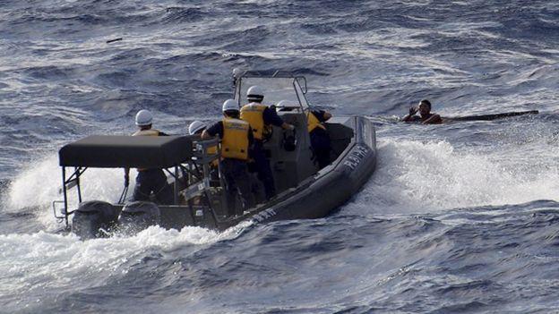 Trung Quốc biết ơn Nhật Bản cứu 8 ngư dân bị chìm gần đảo tranh chấp 3