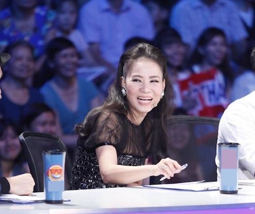 Thu Minh vui vẻ đi chấm thi Vietnam Idol giữa bão scandal 4