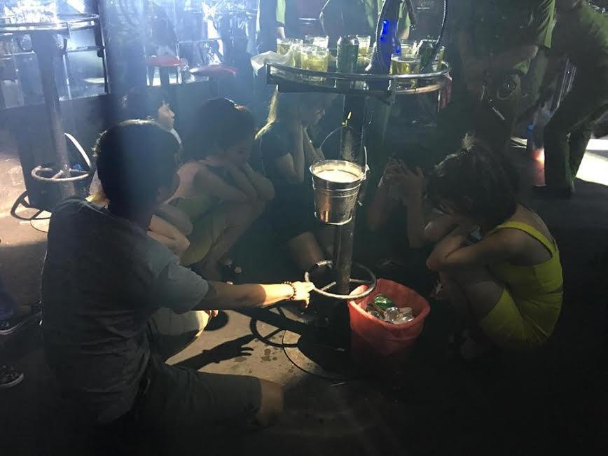 Chủ quán bar Diamond bị bắt vì tổ chức đánh bạc 1