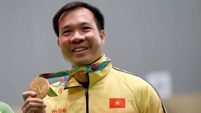 Chủ tịch nước tặng Huân chương Lao động hạng Nhất cho Hoàng Xuân Vinh 1