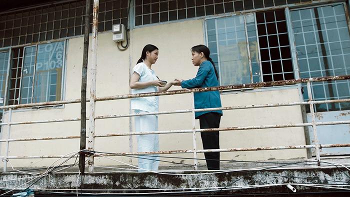 Rơi nước mắt với clip cảm động về mẹ của Việt Hương trong lễ Vu Lan 2