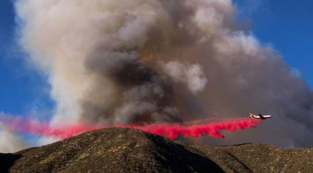 Cháy rừng Nam California, gần 100.000 người phải sơ tán 2