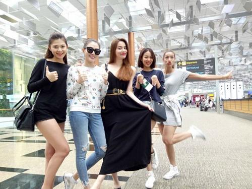 Facebook sao Việt: Hà Hồ cùng team The Face nhí nhố tại sân bay 2