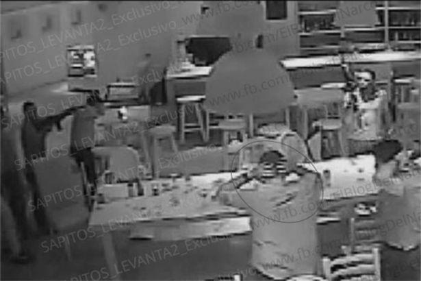 Khoảnh khắc con trai trùm ma túy khét tiếng nhất Mexico bị bắt cóc 2