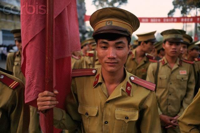 Nhìn lại hình ảnh chiến sĩ Công an nhân dân thập niên 80, 90 3