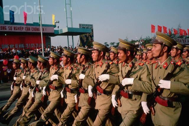 Nhìn lại hình ảnh chiến sĩ Công an nhân dân thập niên 80, 90 4